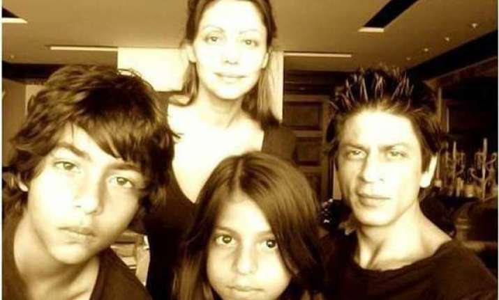 fun to be madly teenaged srk see pics