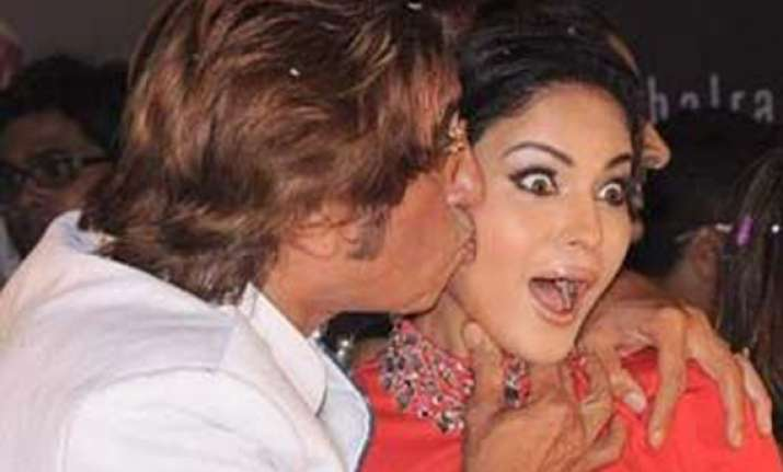 shakti kapoor kisses veena malik at music launch