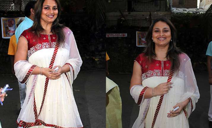 shilpa shirodkar back after 13 years to make tv debut