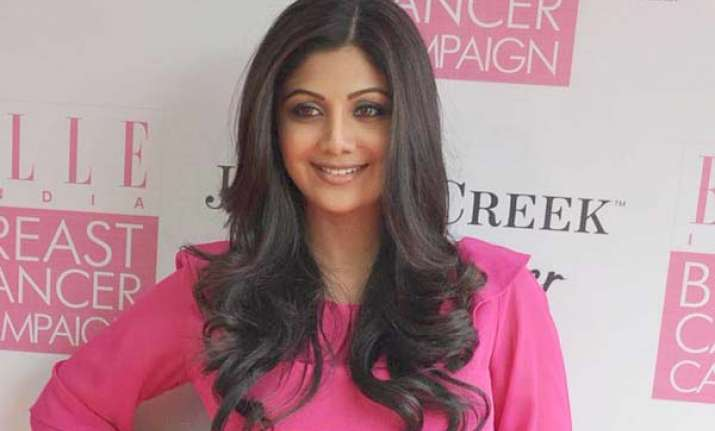 shilpa shetty fan gets to visit her home and hit the gym