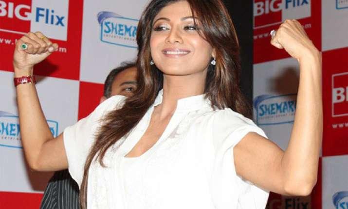 shilpa shetty starts shooting her production debut
