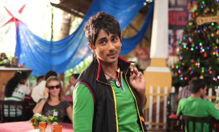 siddharth to showcase comic side in chashme buddoor