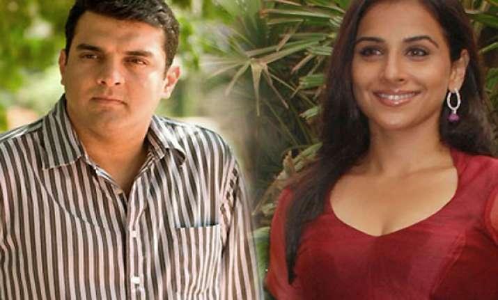 siddharth gifts vidya a rs 14 cr juhu apartment