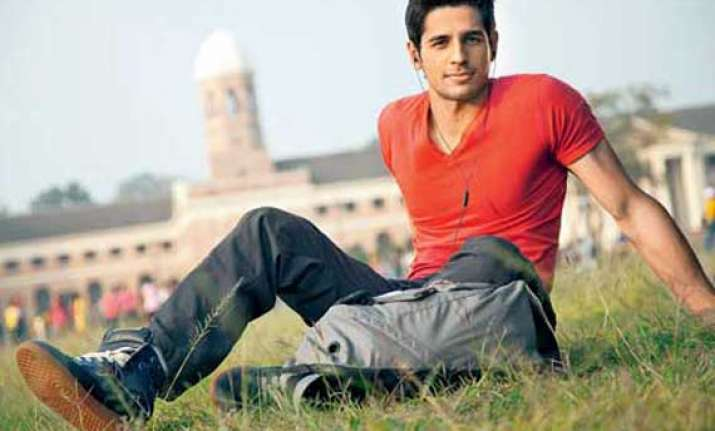 sidharth sweats out in jym for the villain