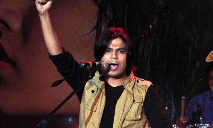 singer ankit tiwari of aashiqui 2 fame arrested for raping