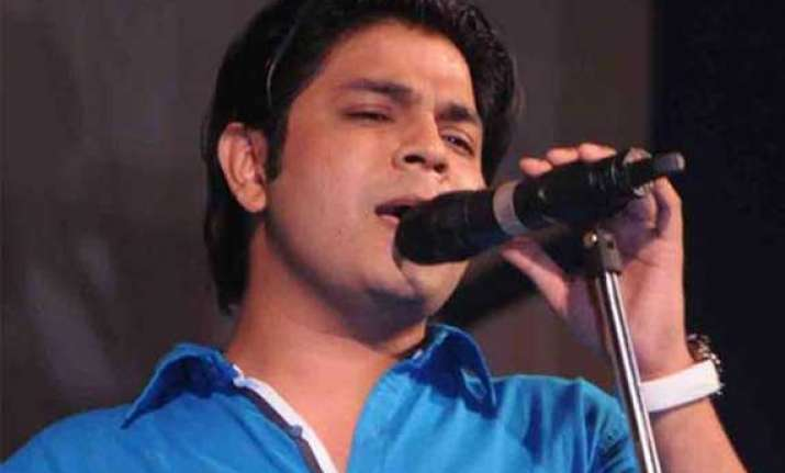 singer ankit tiwari made mms of victim and threatened her