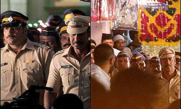 inside pictures from the sets of ajay devgn s singham 2
