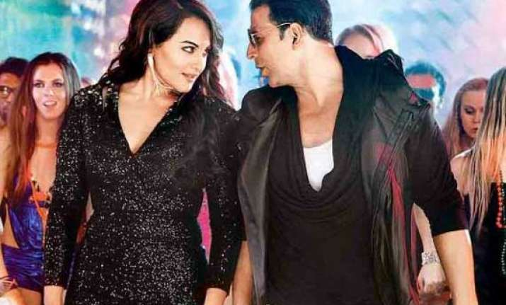 sonakshi akshay to feature in an item number worth rs 6 cr