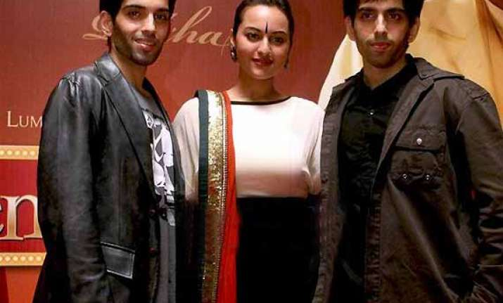 sonakshi sinha and her brothers to work together in ad film