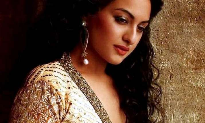 sonakshi sinha s facebook page gets over 10 million likes