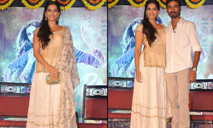 sonam dhanush promote raanjhanaa in mumbai watch pics