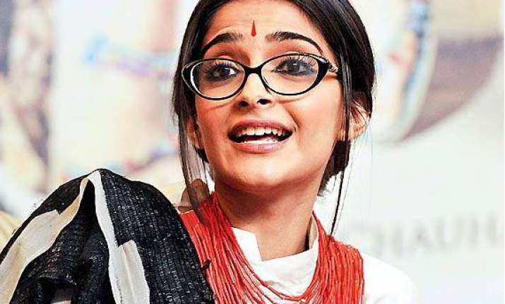 sonam kapoor can be a good politician we tell you why see