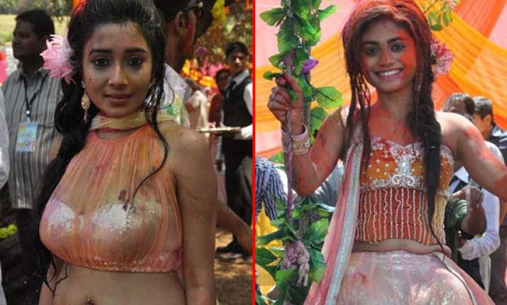 rang de star studded holi bash for colors tv actors view