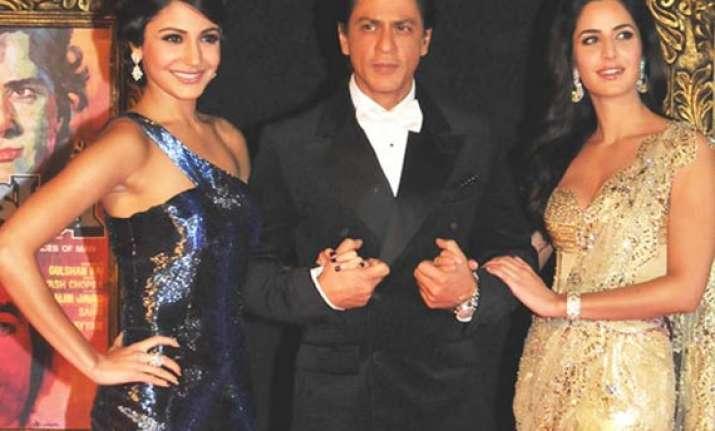 stars celebrate yash chopra s legacy at jthj premiere