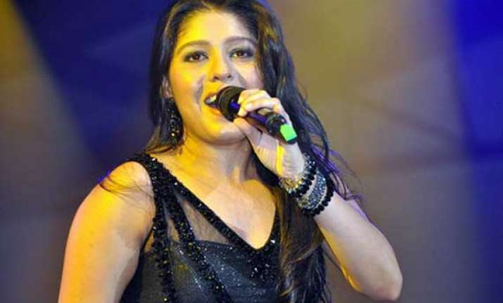 sunidhi chauhan regales kotla crowd