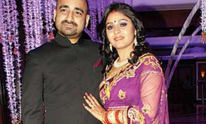 sunidhi chauhan marries hitesh sonik