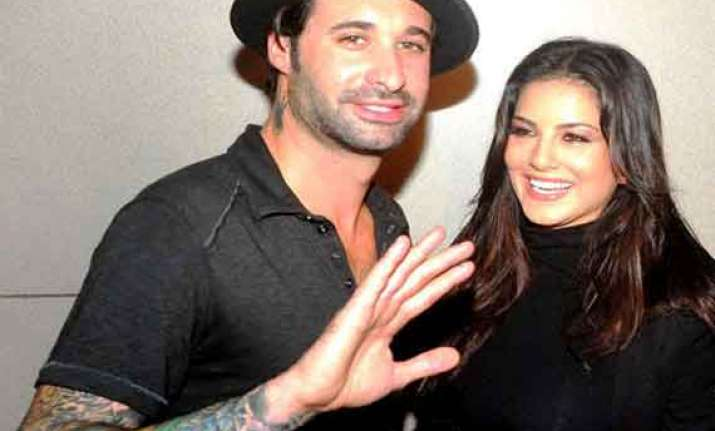 sunny leone s husband to debut in bollywood