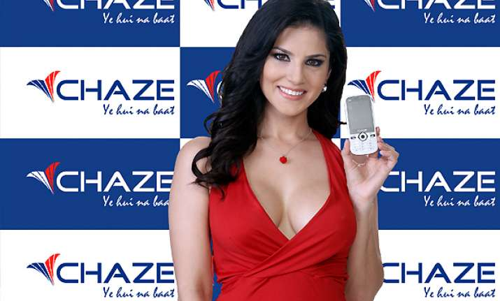 sunny leone is brand ambassador for chaze mobile