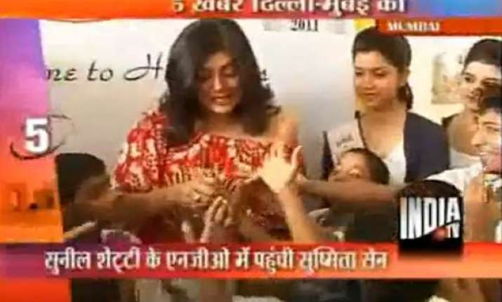sushmita meets marginalised children