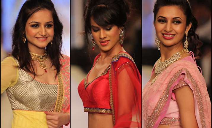 telly bahus walk the ramp for iijw 2013