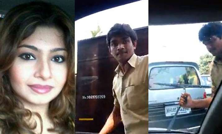 tv actress monaz mevawala abused by auto rickshaw driver