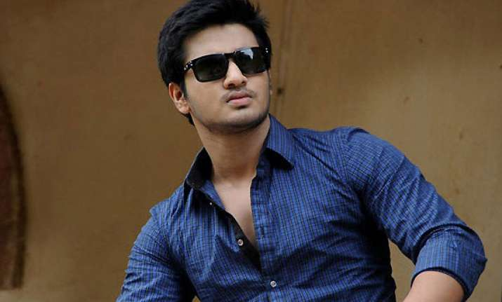 tamil actor nikhil siddhartha paired up with swathi reddy