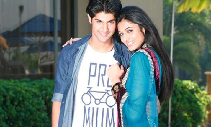 tanuj virwani bans his miss india co star neha hinge from