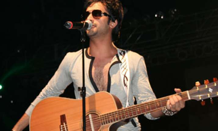 three killed in stampede at atif aslam s concert in lahore