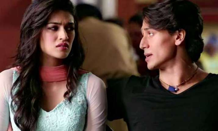 tiger shroff s heropanti passes monday test collects rs