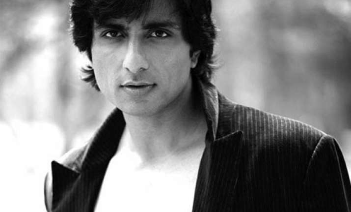 twin role for sonu sood in dabangg 2