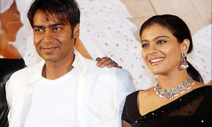 two servants of actor kajol arrested in rs 5 lakh bangle