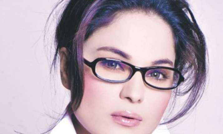 veena malik signs british film