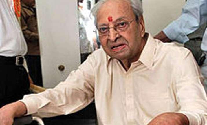 veteran actor pran admitted to lilawati hospital
