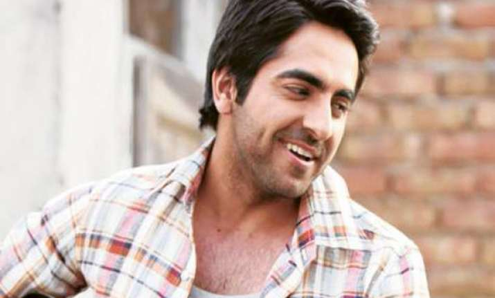 vicky donor turns blood donor