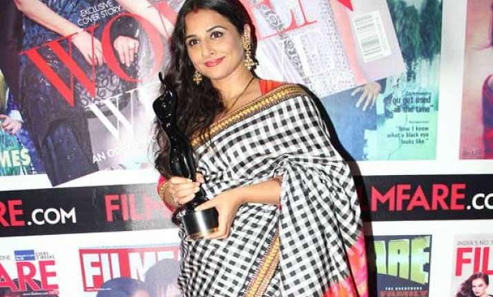 vidya balan to play carnatic vocalist m s subbulakshmi in