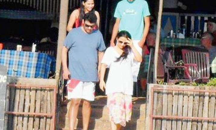 vidya beau siddharth spend time in khandala