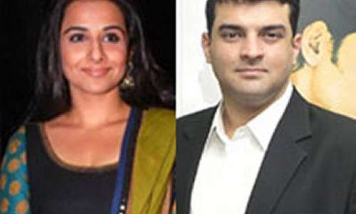 vidya set to be engaged to siddharth roy