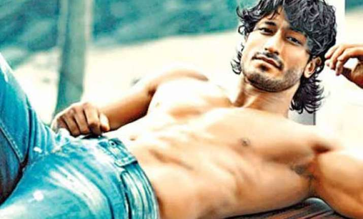 vidyut jammwal has found his own stardom in southern cinema