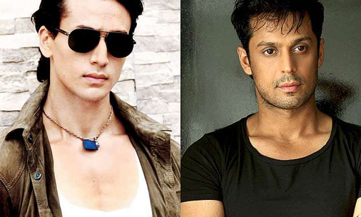 vikram singh to fight tiger in heropanti