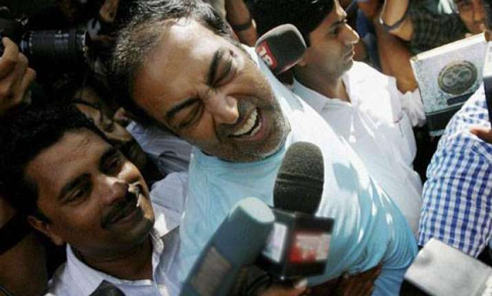 vindoo to face police questions till may 31