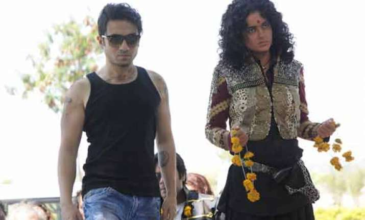 vir das goes dark in revolver rani