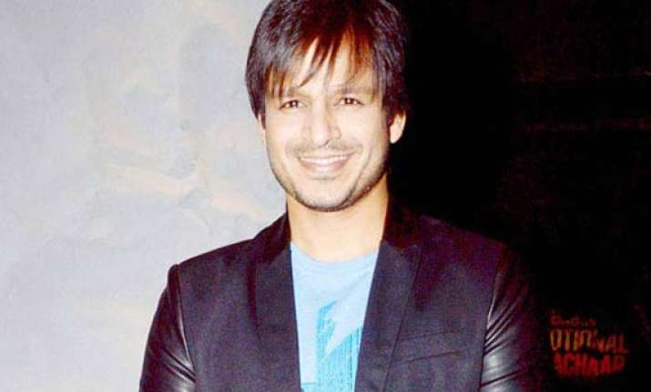 vivek oberoi disappointed over sher getting into legal