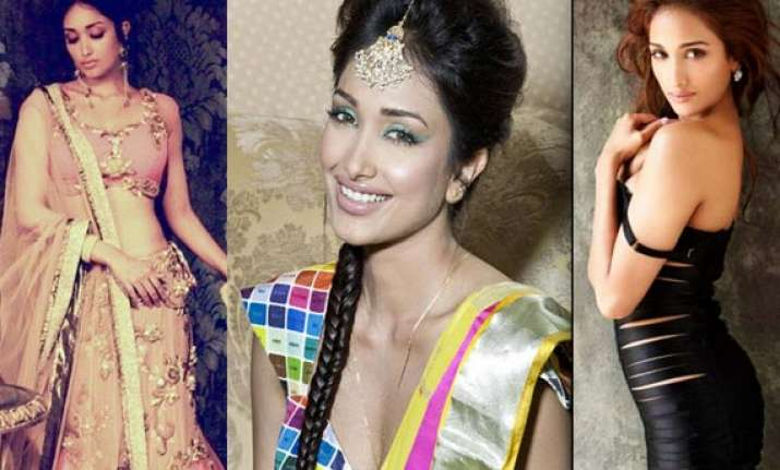 watch personal pics of jiah khan from her album