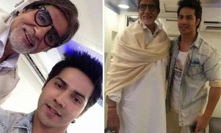 when varun dhawan met big b and took a selfie with him view