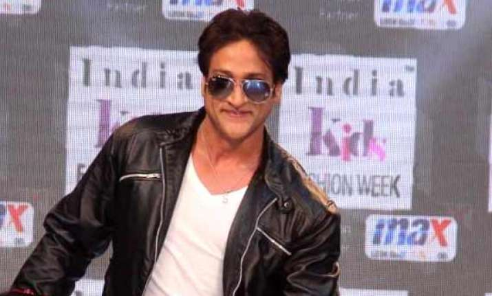 who is bollywood actor inder kumar see pics