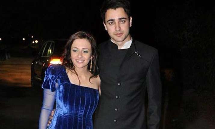 wife avantika joins imran on his taj tour