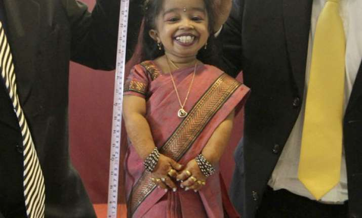 world s shortest woman to enter bigg boss house