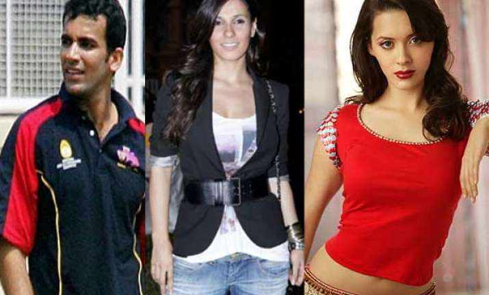 zaheer khan splits with isha spotted with vj ramona