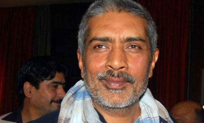 aarkshan tries to tell a therapeutic story prakash jha