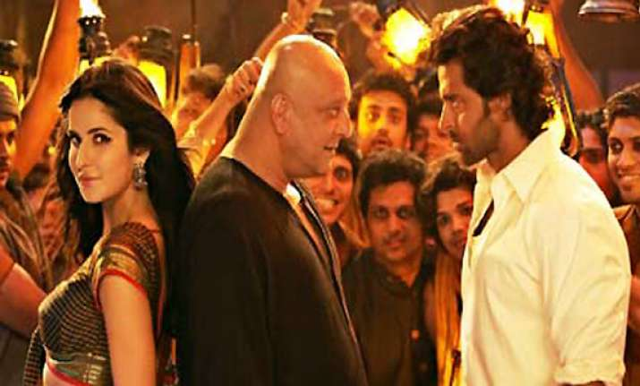 agneepath earns record rs 23 crore on day 1